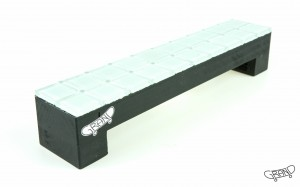 GF Bench – Mosaics – white/black
