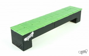 GF Bench – Mosaics – green/black